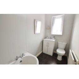 38 Pine Street toilet.jpg