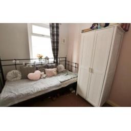 38 Pine Street Bedroom 2.jpg
