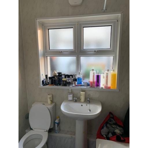 Barwick Street 1, Bathroom 2.jpg