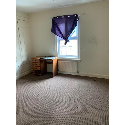 62 Queen Street Bedroom.jpg