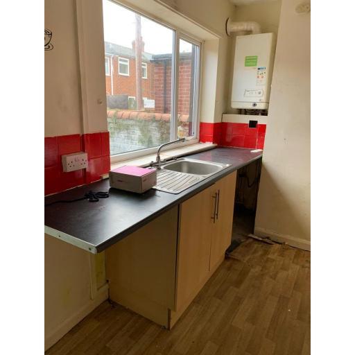 62 Queen Street Kitchen 2.jpg