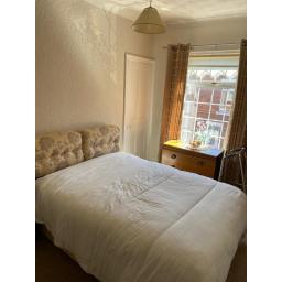 5 Third Street bedroom 1.jpg