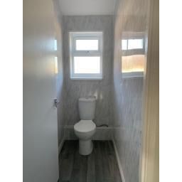 Hawthorn Terrace - Toilet.jpg