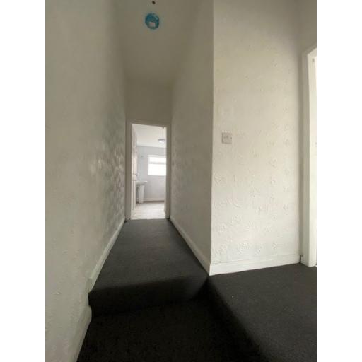 31 Dale Street Hallway.jpg