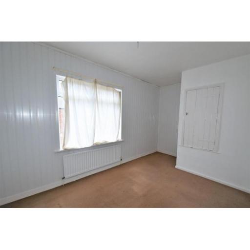 2 Arthur Street Bedroom 1.jpg