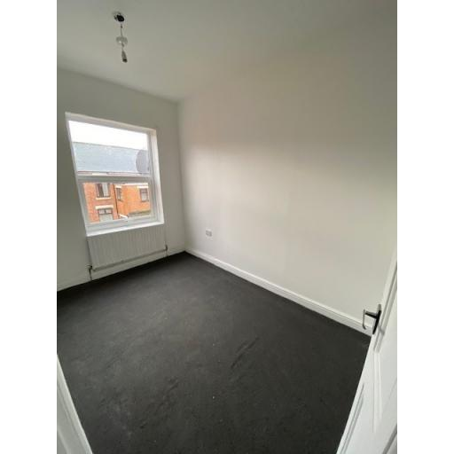 31 Dale Street Bedroom.jpg