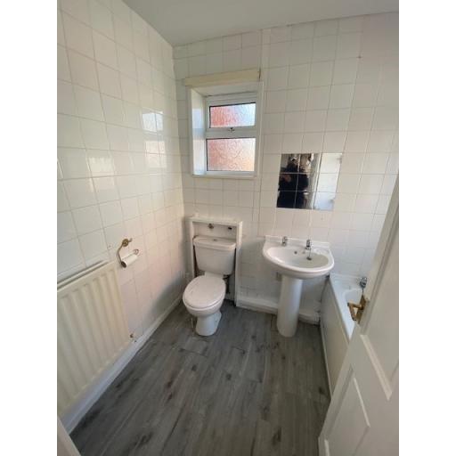 Summerson Street Bathroom.jpg