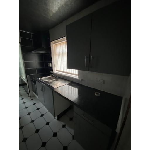 37 Fairy Street Kitchen.jpg