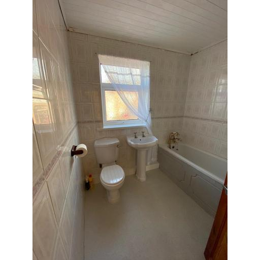 1 Arthur Street Bathroom.jpg