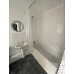 Summerson 4 Bathroom.jpg