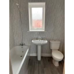 13 Sabin Terrace Bathroom.jpg
