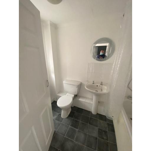 Summerson 4 Toilet.jpg