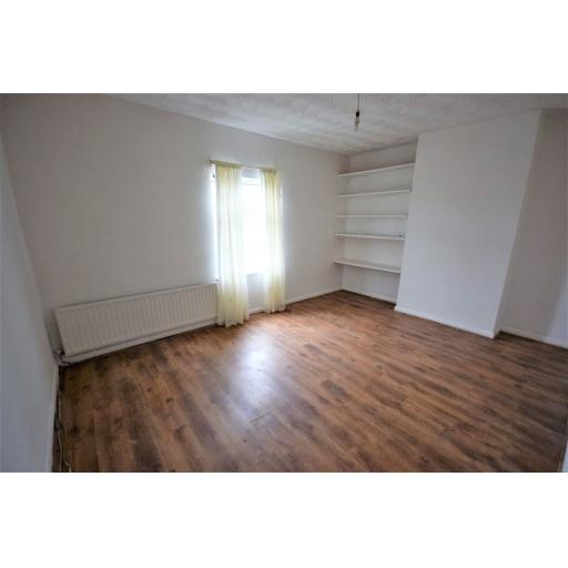 99 Victoria Street bedroom.jpg
