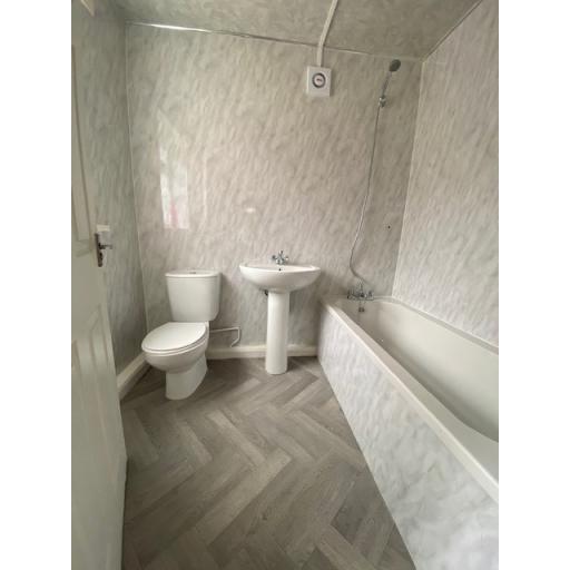 25 Third Street Bathroom.jpg
