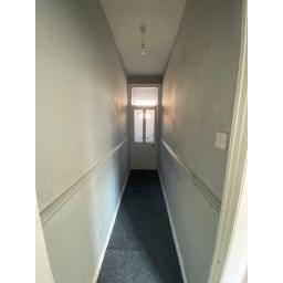 9 Byron Hallway.jpg