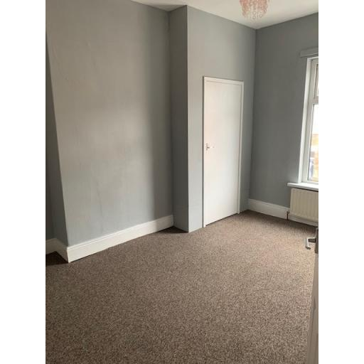 10 Eight Street Bedroom 1.jpg