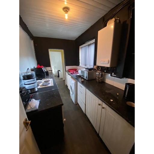 23 Moore Street Kitchen.jpg