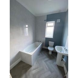 131 Victoria Street Bathroom.jpg