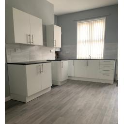Kitchen Large v2.jpg