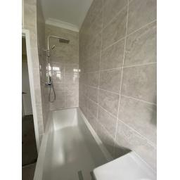 25 Bradlety Street Bathroom 2.jpg