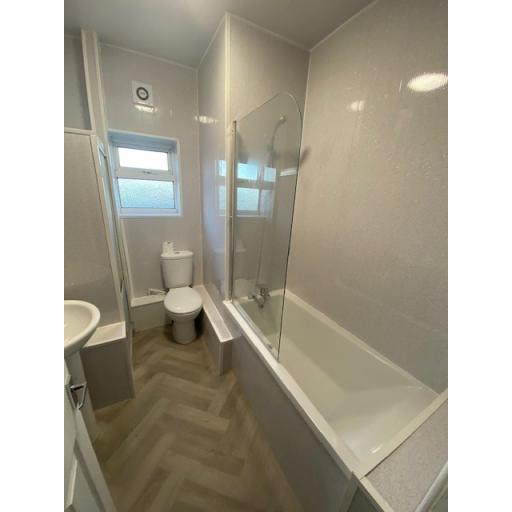 9 Church Street Bathroom.jpg