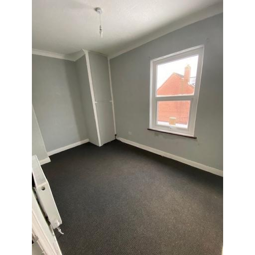 18 Windsor Street bedroom.jpg