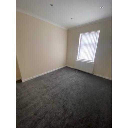 25 Bradlety Street Bedroom 2.jpg