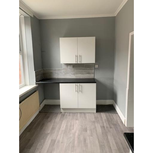 13 Sabin Terrace Kitchen 2.jpg