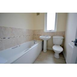 29 Lambton Bathroom.jpg