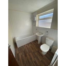 Gibbon Bathroom.jpg