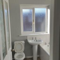 57 Queen Street Bathroom 1.jpg