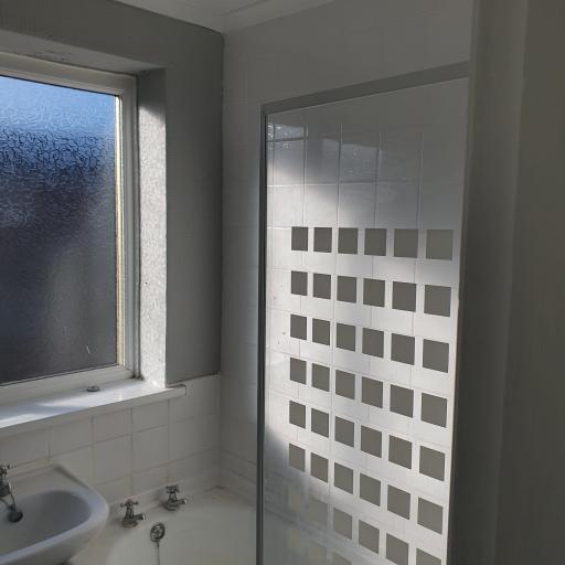 57 Queen Street Bathroom.jpg