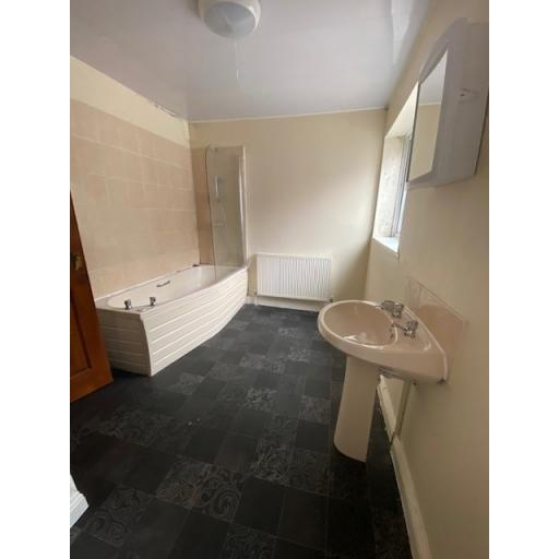 Encombe Bathroom.jpg
