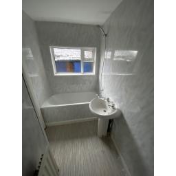 Windsor Street 3 Bathroom 2.jpg