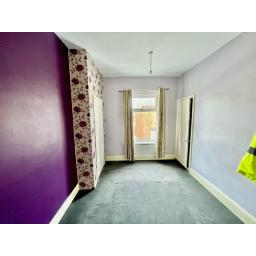 22 Fourth Street bedroom 2.jpg