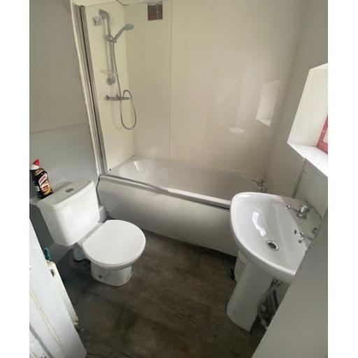 9 South Street Bathroom.jpg
