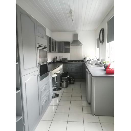 5 Lindern Terrace Kitchen.jpg