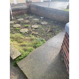 21 MAinsforth Front Row External front garden.jpg