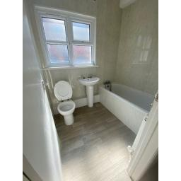 11 Ashton Street Bathroom.jpg